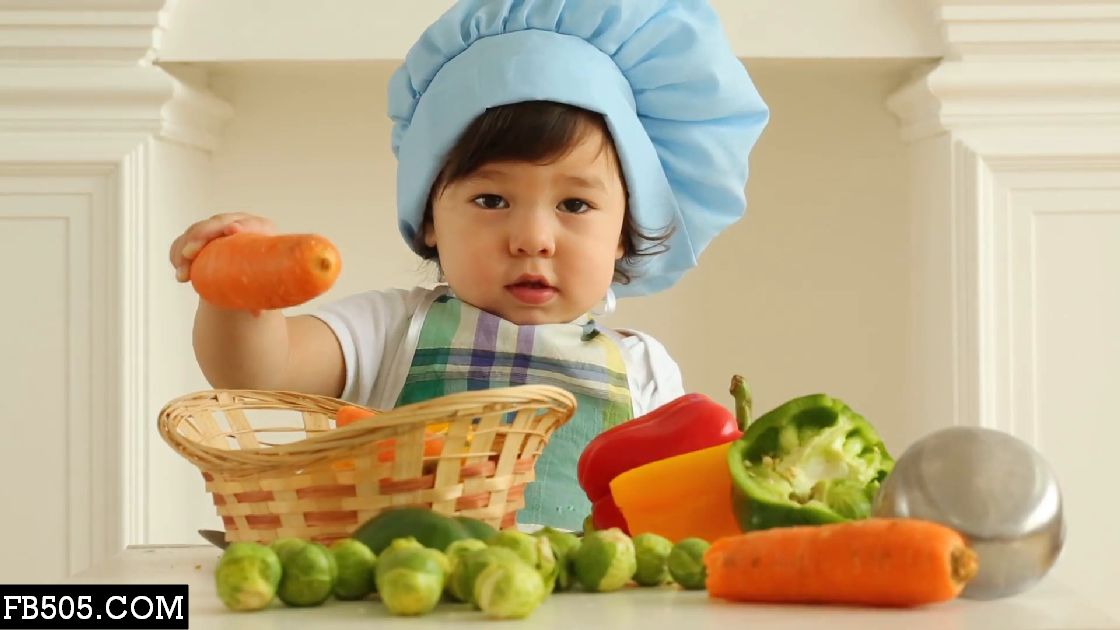 10 Foods to Feed Your Baby Before Age 1